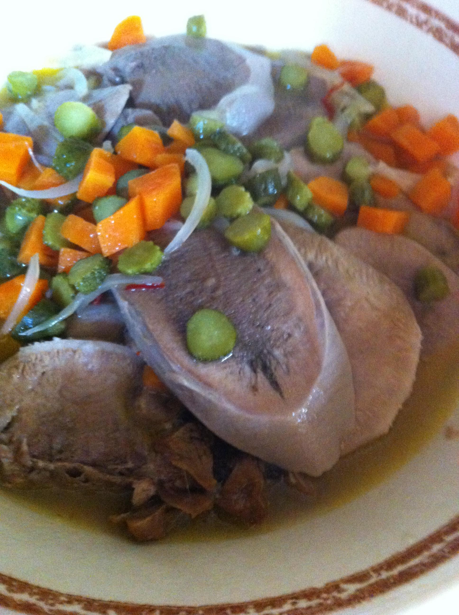 Langue de boeuf sauce piquante cornichons chut je cuisine - Cuisiner une langue de boeuf ...